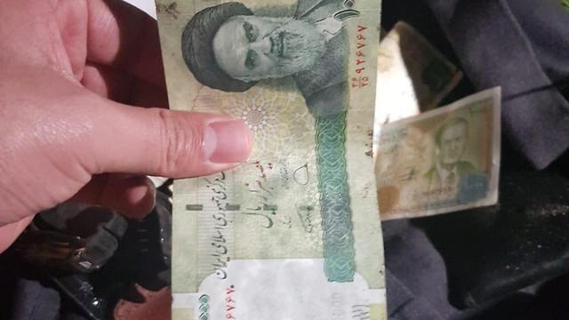 Иранские и сирийские банкноты, найденные на месте ликвидации в Багдаде