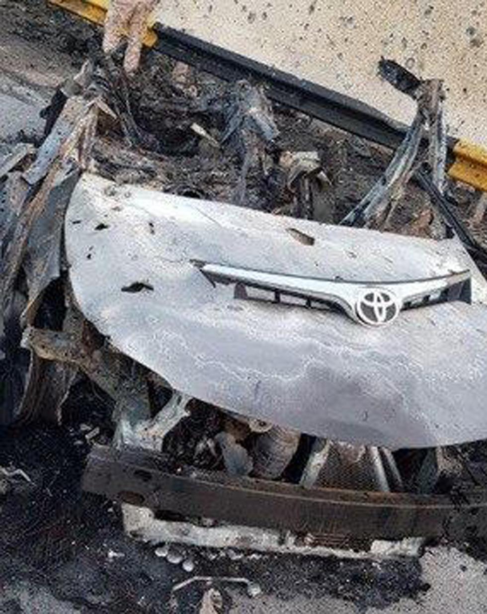Автомобиль Сулеймани после прямого попадания ракеты