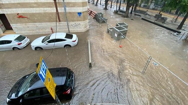 שדרות ירושלים יפו הצפות (צילום: איתי כהן)