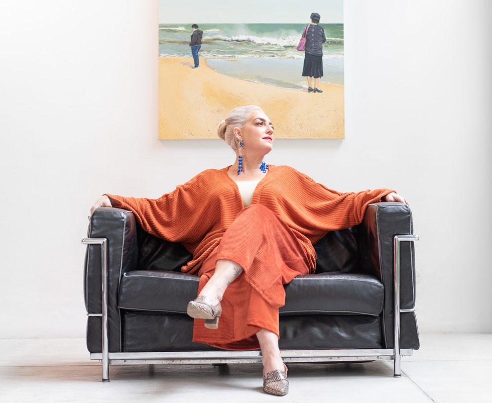 """""""היה לי חשוב להציג גוף של אישה רגילה ללא פוטושופ או הצרת היקפים"""". הפקת האופנה עם רניה גבריאל ברון (צילום: נעם בן גוריון)"""