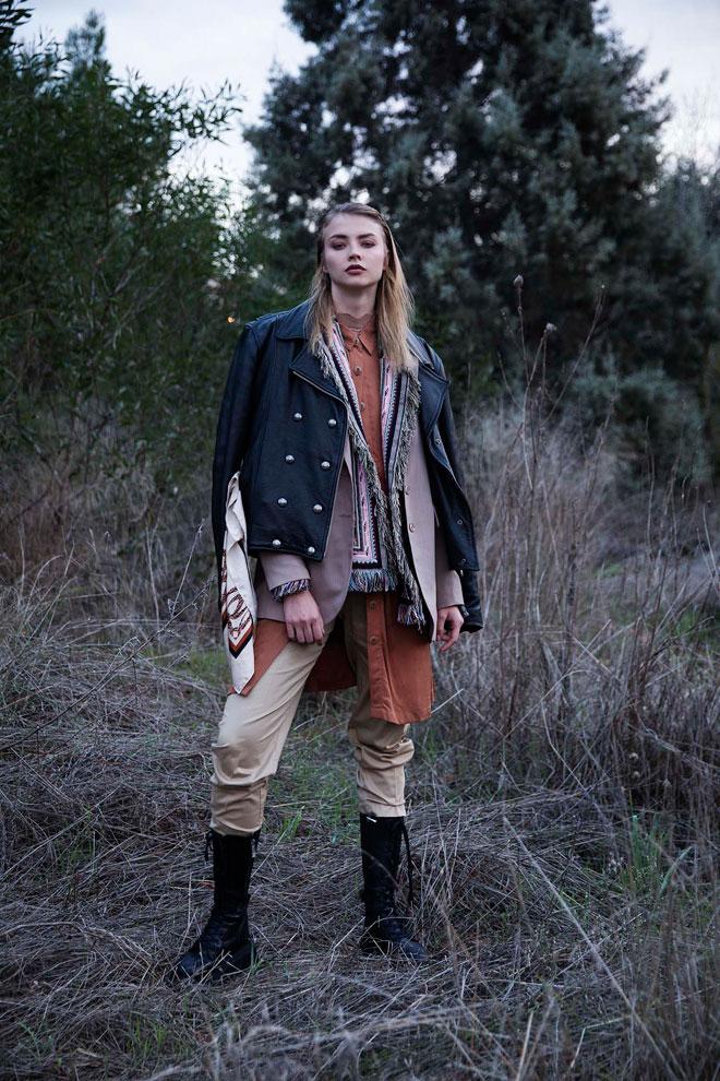 מעיל, הארלי דיווידסון   מכנסיים, מנגו   מגפיים, זארה   ז'קט וצעיף, H&M   ז'קט פרנזים, קובי גולן   קרדיגן, רזרבד (צילום: שחף מרגלית)
