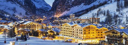 עמוק בעמק. אורות הלילה בעיירת הסקי ואל ד'יזר  (צילום: Shutterstock)