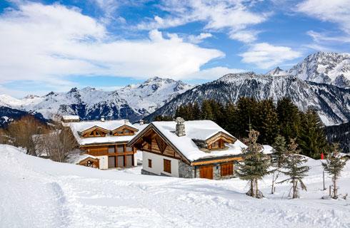 בקתות מושלגות באלפים הצרפתיים  (צילום: Shutterstock)