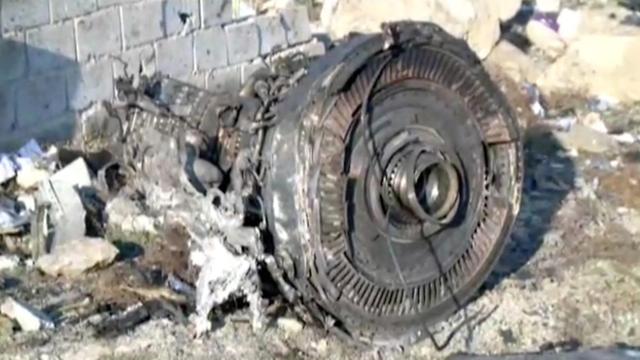 זירת התרסקות המטוס האוקראיני (צילום: רויטרס)