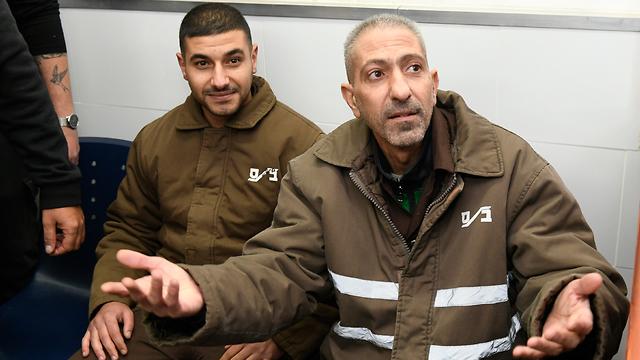 הקראת כתב האישום לחמשת רוצחי רנה שנרב במחנה עופר (צילום: חורחה נובומינסקי)