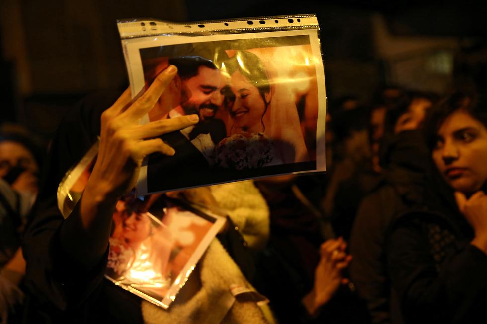 הפגנה הפגנות איראן נגד הפלת מטוס אוקריאני אוקרינה משמרות המהפכה (צילום: רויטרס)