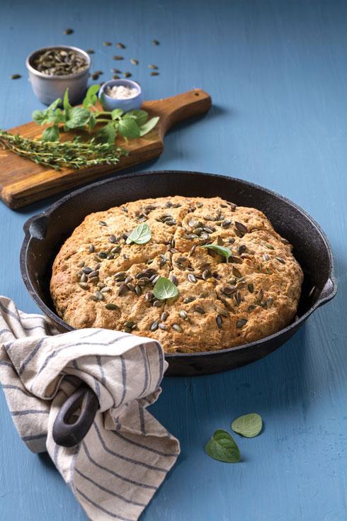 לחם סודה ותבלינים בלי שמרים ובלי מערבל (צילום: בועז לביא, סגנון: נעה קנריק)