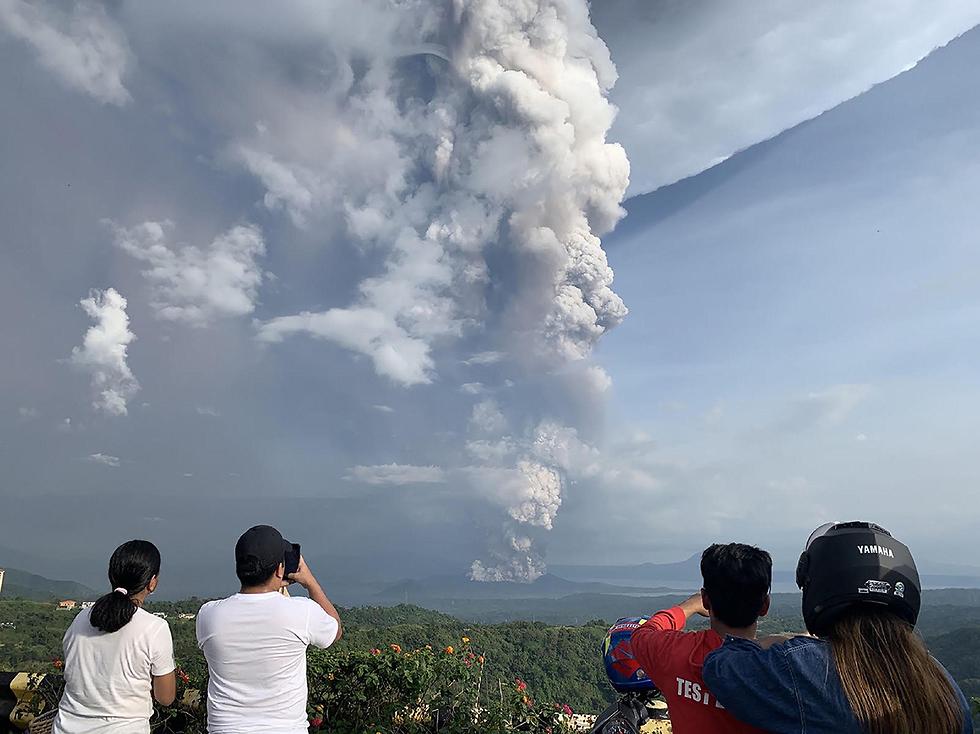 התפרצות הר געש טאאל  (צילום: AFP)