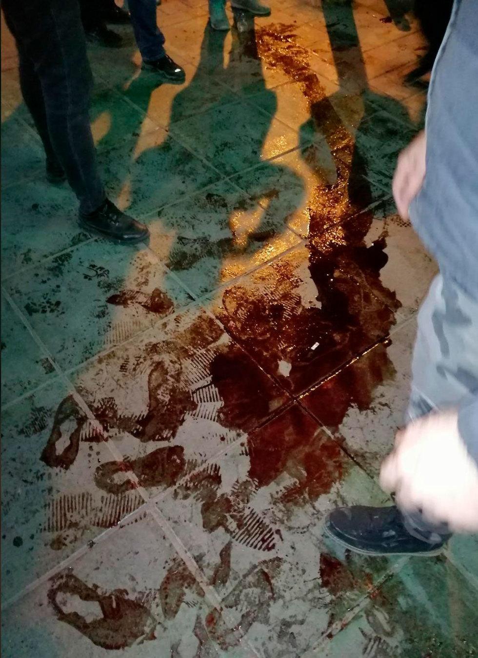 איראן  טהרן מפגינים הפגנה מחאה ירי (צילום: AP)