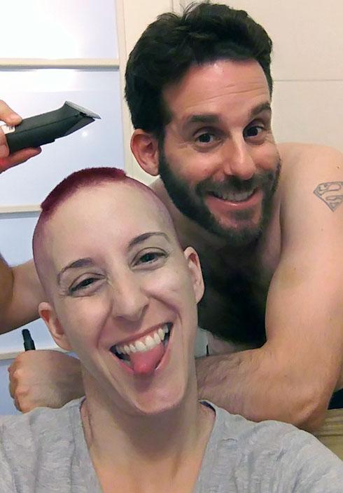 """בני הזוג בתקופת המחלה. """"אפשר להרגיש גם אושר בדבר הזה"""" (צילום: דדי ירון)"""