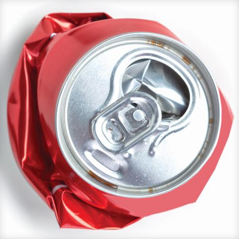 ככל שאדם שותה יותר משקאות דיאט, כך גדל הסיכון שלו להשמין? (צילום: Shutterstock)