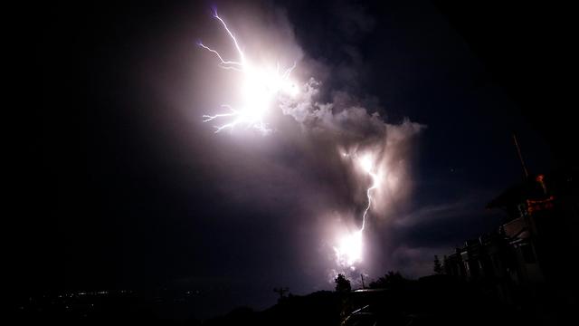 הפיליפינים פיליפינים התפרצות הר געש טאל טגייטיי (צילום: AP)