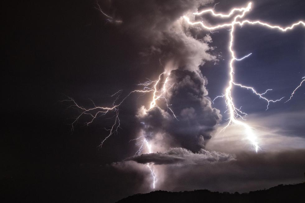 הפיליפינים פיליפינים התפרצות הר געש טאל טגייטיי (צילום: gettyimages)