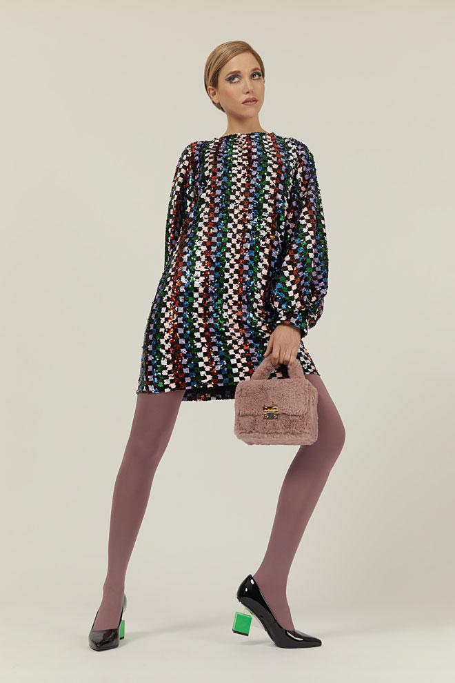 שמלה, גמלא   גרבונים, זוהרה   תיק, טופשופ   נעליים, יונייטד ניוד (צילום: לירון ויסמן)