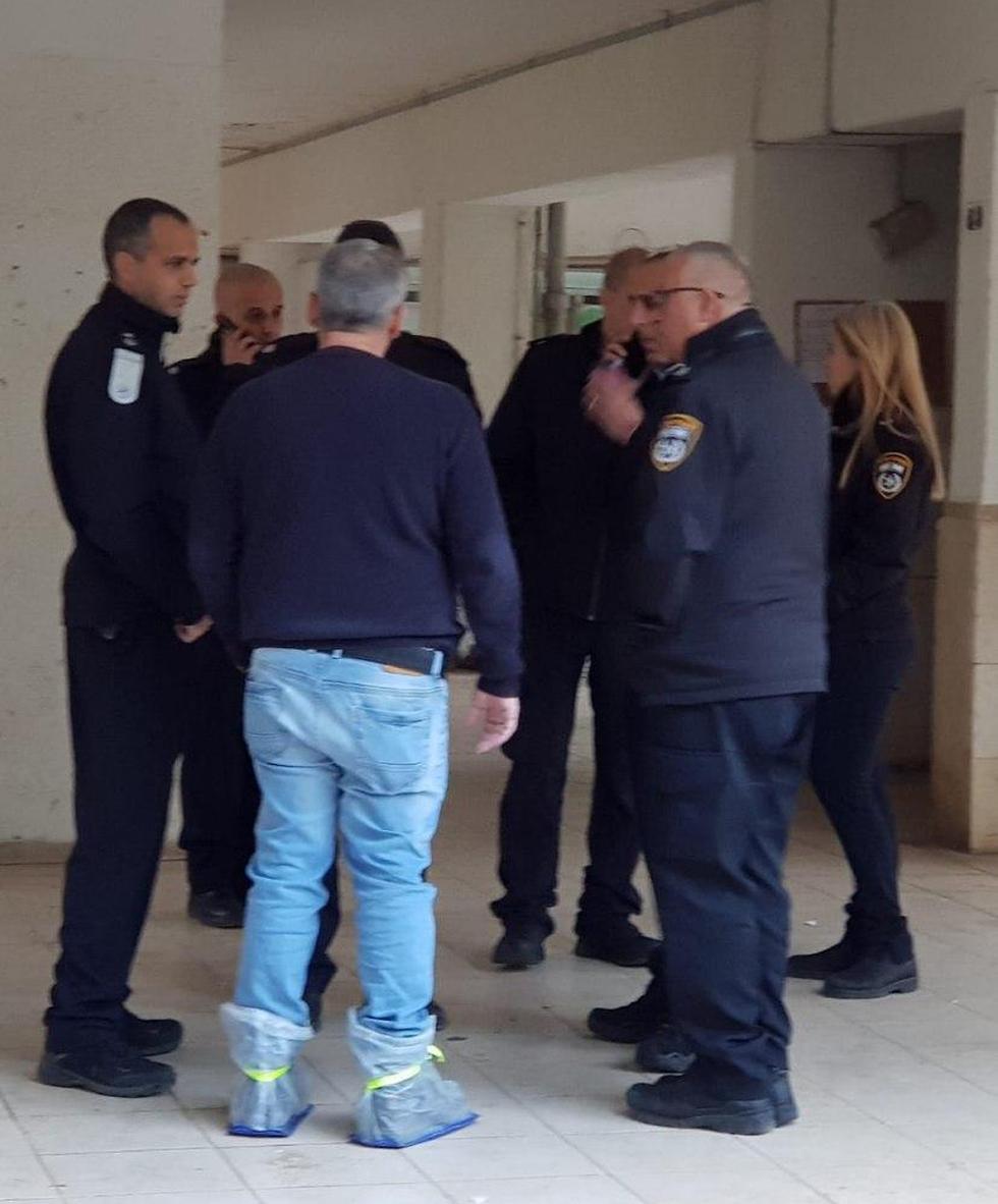זירת הרצח בכרמיאל (צילום: דוברות המשטרה )
