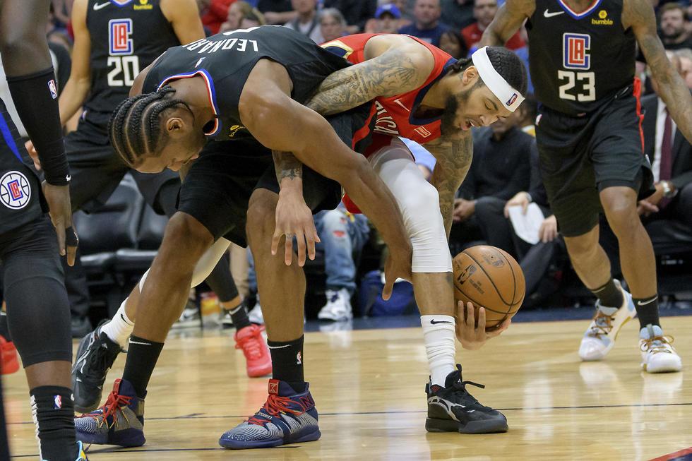 איפה הכדור? אינגרם ולנארד מסתבכים (צילום: AP)