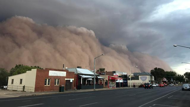 אוסטרליה סופות אבק אחרי שריפות ו שיטפונות (צילום: AP)