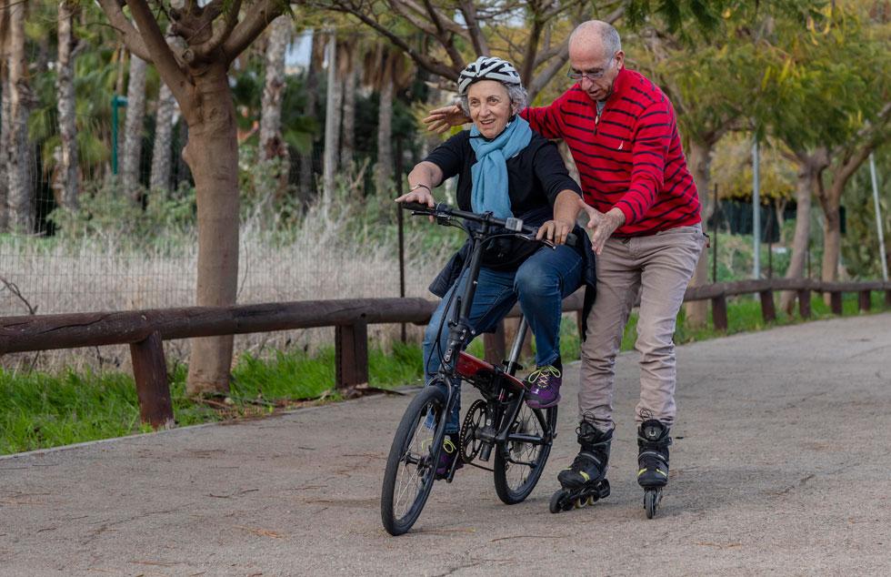 """הלוי מדוושת. """"אם ההורים שלי פחדו לתת לנו לרכוב, למה זו בעיה שלי?"""" (צילום: אלי דסה)"""