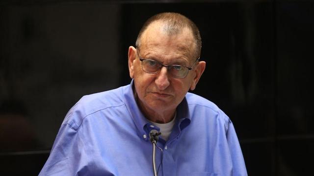 רון חולדאי בישיבת מועצת עיריית תל אביב-יפו (צילום: מוטי קמחי )