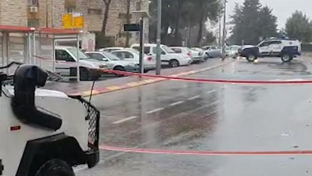 זירת תאונת הדרכים בקריית ארבע (צילום: הצלה יהודה ושומרון)