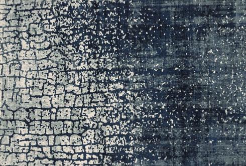 שטיח בטכניקת סטון וואש. השימוש באפקטים של מחיקות מעניקים מראה של פריט וינטג'   (צילום: כרמל פלור דיזיין)