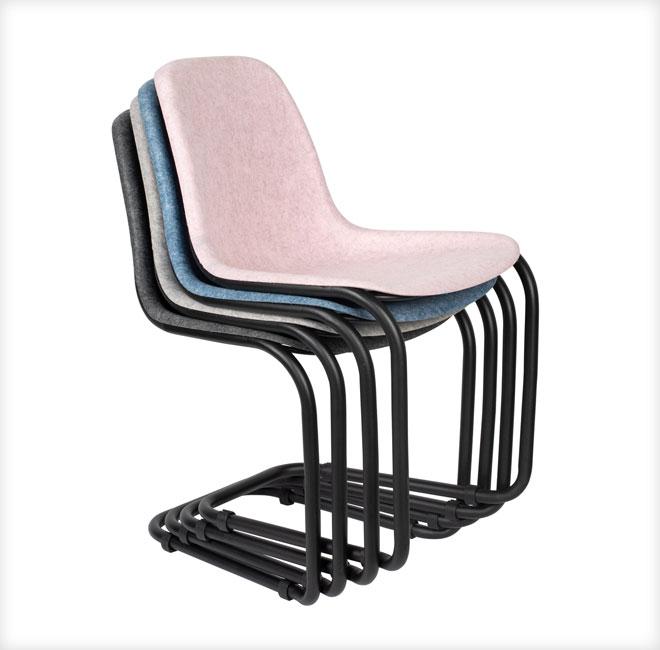 ועוד קיימות: כיסאות מ-100% חומרים ממוחזרים. המושבים מבקבוקי פלסטיק והשלד מברזל ממוחזר. ''אינוביישן''