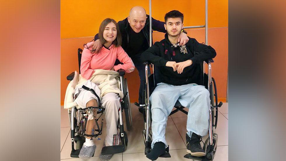 """Аннабел, Любамир и проф. Эйдельман в период выздоровления после операции. Фото: """"Рамбам"""""""