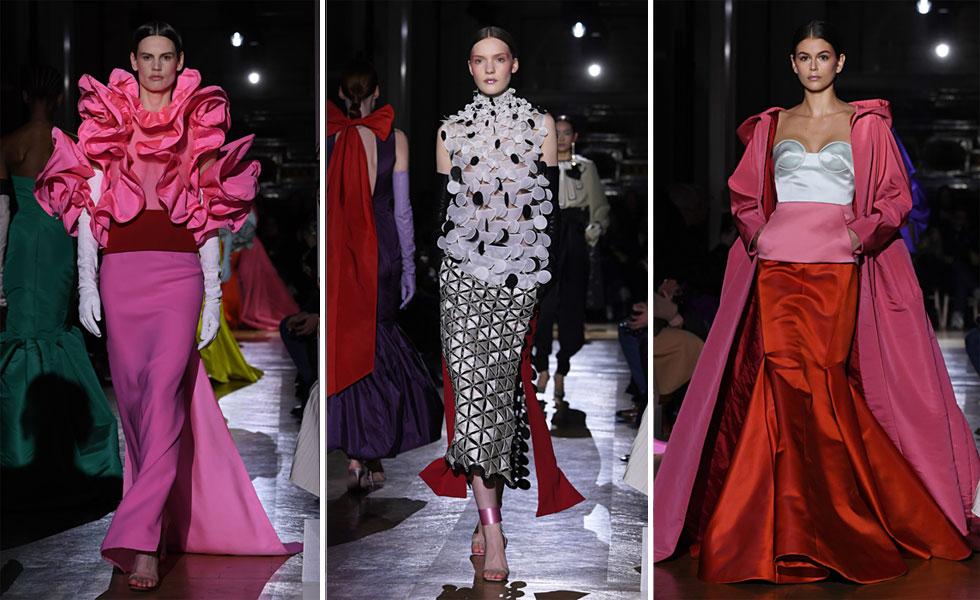 תצוגת האופנה של ולנטינו הציגה חיפוש אחר צלליות מקוריות שהתרחקו מעט מהמראה הרומנטי המזוהה עם בית האופנה. לצד הצבעוניות החזקה, בלטו על המסלול כפפות האופרה הארוכות שעושות לאחרונה קאמבק גם לשטיח האדום (צילום: Pascal Le Segretain/GettyimagesIL)