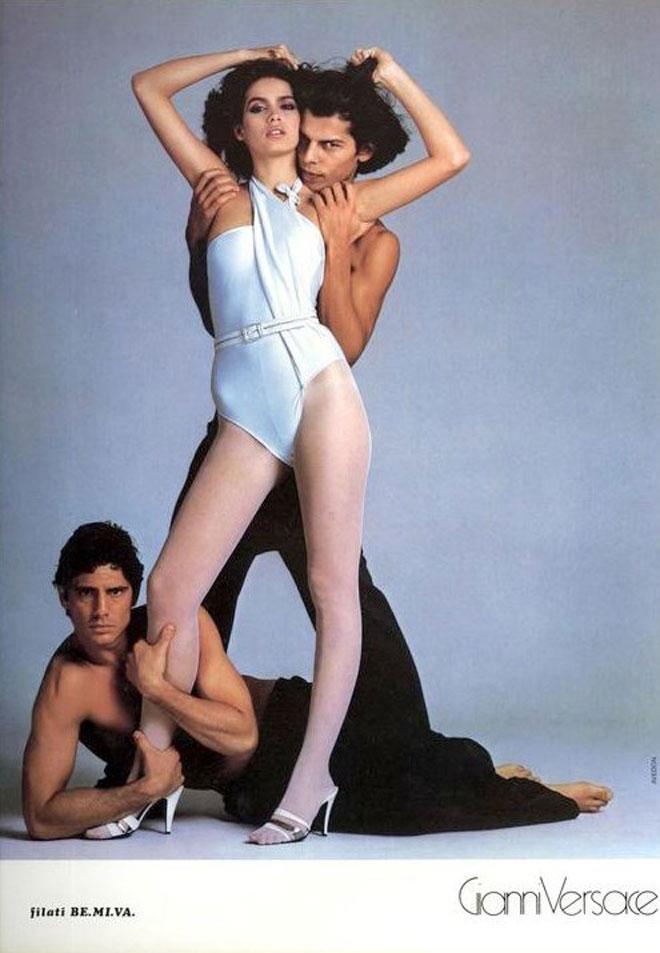 ג'יה, לטענתה, לא באמת אהבה לדגמן, אך היא עשתה זאת היטב והרוויחה לא מעט כסף שאותו בזבזה על סמים. בקמפיין של ג'יאני ורסאצ'ה, 1980
