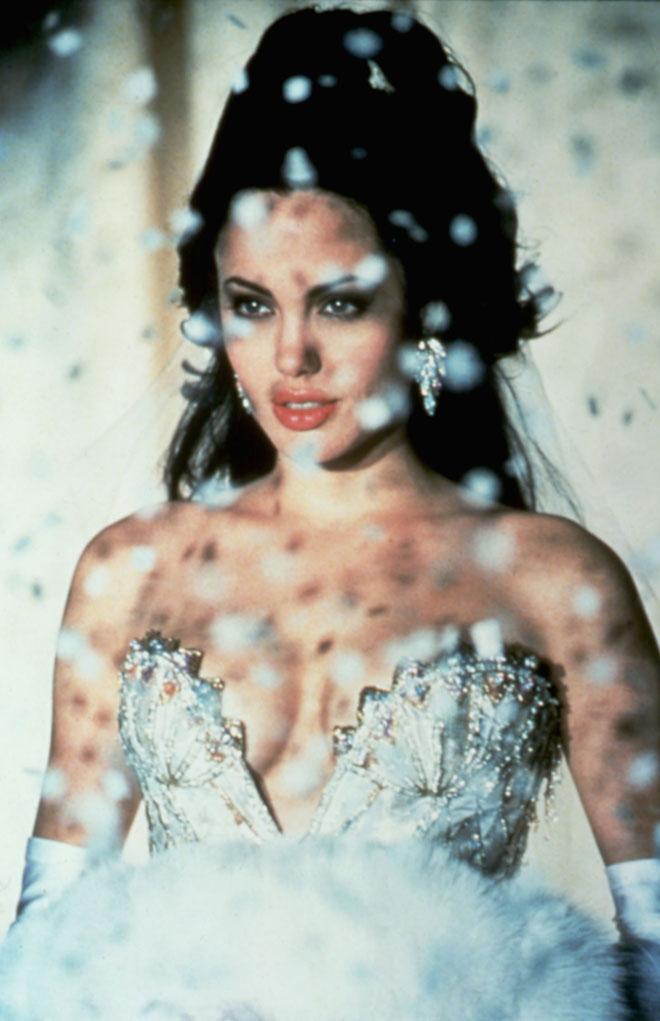 אנג'לינה ג'ולי בתפקיד ג'יה בסרט באותו השם, 1998 (צילום: rex/asap creative)