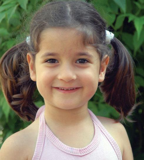 """מיקה בורין ז""""ל. """"ילדה יפהפייה, כישרונית בצורה יוצאת דופן, מהילדים האלה שמחבקים ונותנים חום ואהבה"""" (צילום: אלבום פרטי)"""