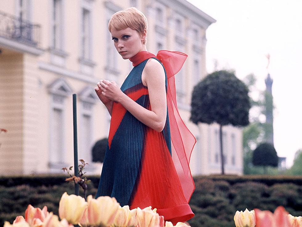 תרומתה המרכזית ליצירת אידיאל יופי אלטרנטיבי בשנות ה-60, היתה בעיקר התספורת הקצוצה (צילום: rex/asap creative)