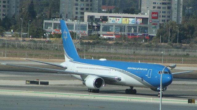 מטוס ראש הממשלה המריא הבוקר לטיסת המבחן השלישית (צילום: איתי בלומנטל)
