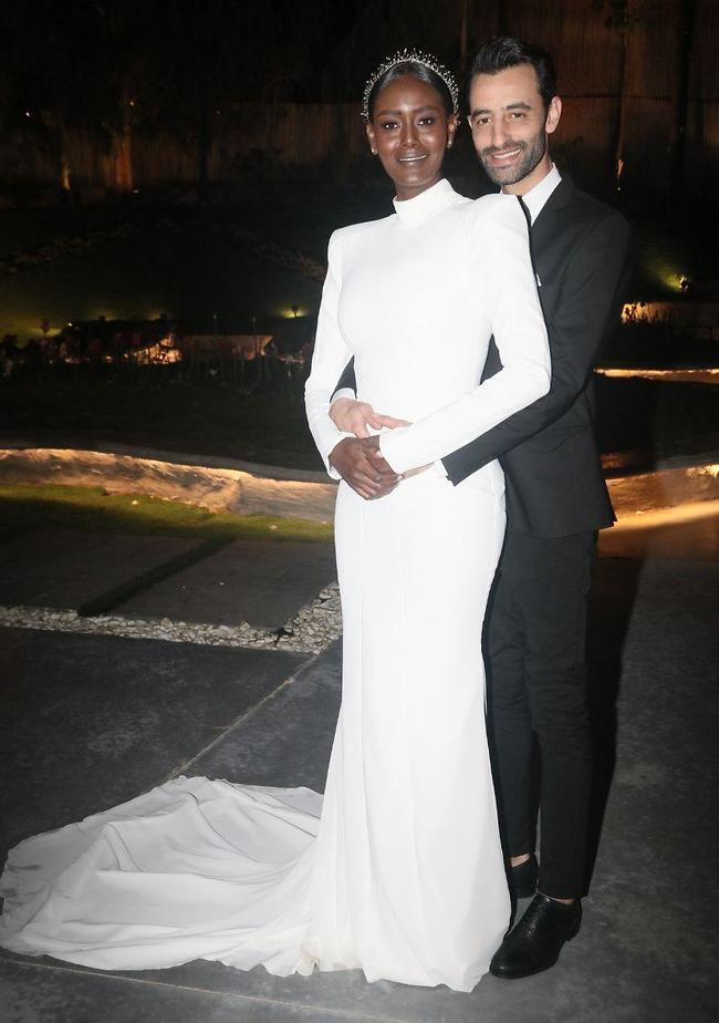 החתן לכלה שם טבעת! (צילום: אמיר מאירי)