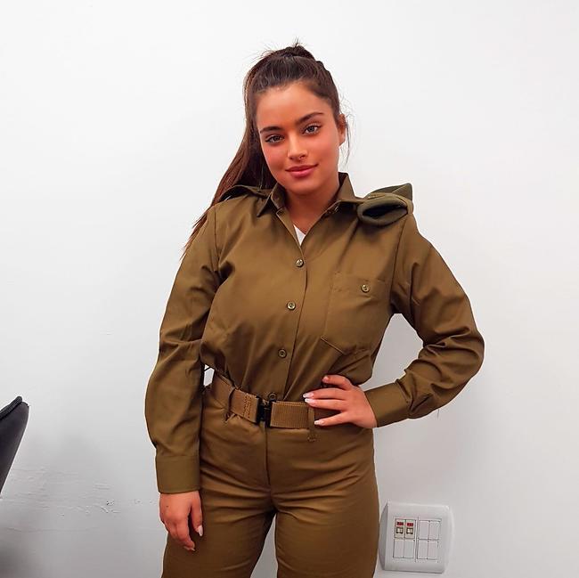 בגדי ההופעות החדשים שלה. נועה קירל (צילום: צוות מתגייסים מיטב)