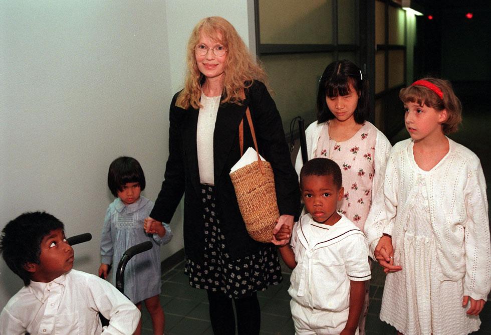 אנג'לינה ג'ולי, את לא המצאת שום דבר חדש. פארו וילדיה, 1996 (צילום: AP)