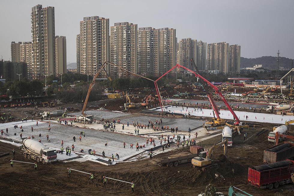 סין בית החולים הואושנשאן ב ווהאן נבנה ב 10 ימים הושלם ב 2 פברואר (צילום: gettyimages)