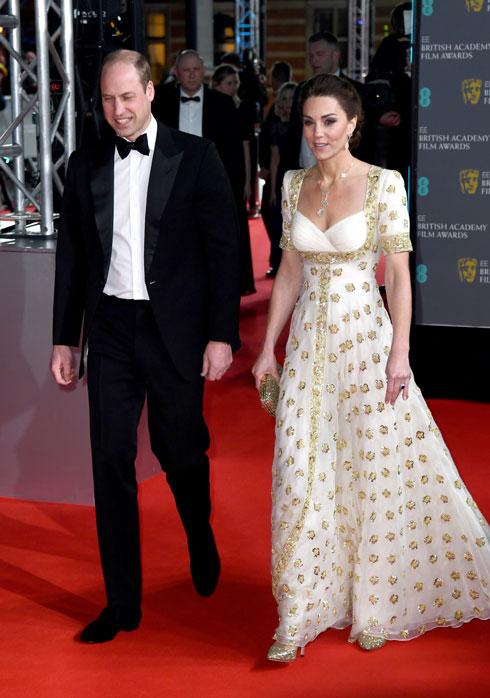 היחידה שעמדה בדרישות מארגני הטקס ללבוש שמלה מהארון. קייט מידלטון (צילום: Gareth Cattermole/GettyimagesIL)