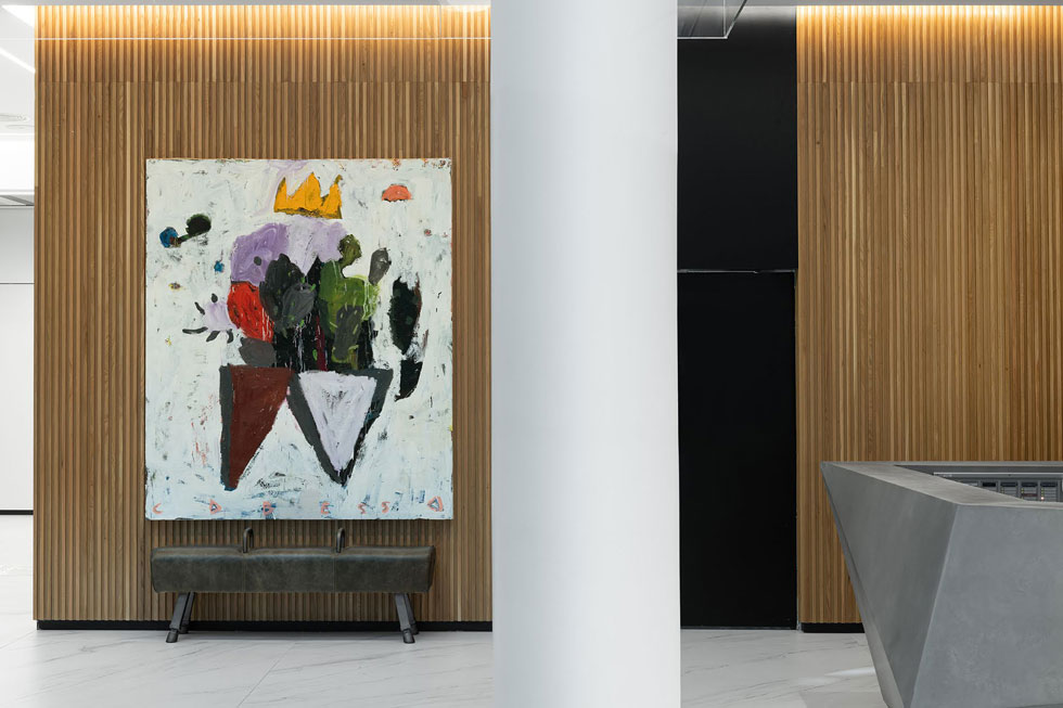 אמנות ישראלית בכל פינה, מתוך האוסף של בעלי המקום, צביקה ונטלי בארינבוים (צילום: גדעון לוין, סטודיו 181 מעלות)