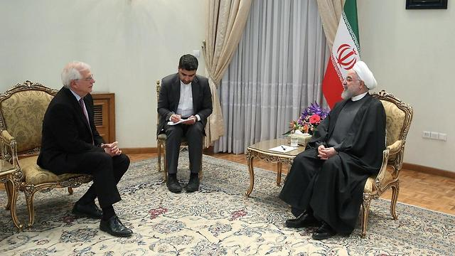 שר החוץ של האיחוד האירופי ג'וזל בורל עם נשיא איראן חסן רוחאני (צילום: רויטרס )