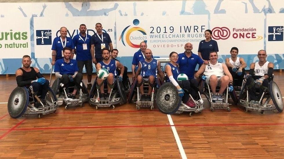 נבחרת ישראל בתמונה קבוצתית (צילום: עמותת איל