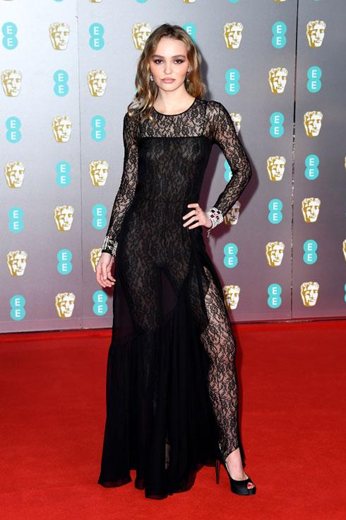 במקום השלישי בטקס הבאפטה: לילי רוז דפ לובשת שאנל (צילום: Gareth Cattermole/GettyimagesIL)