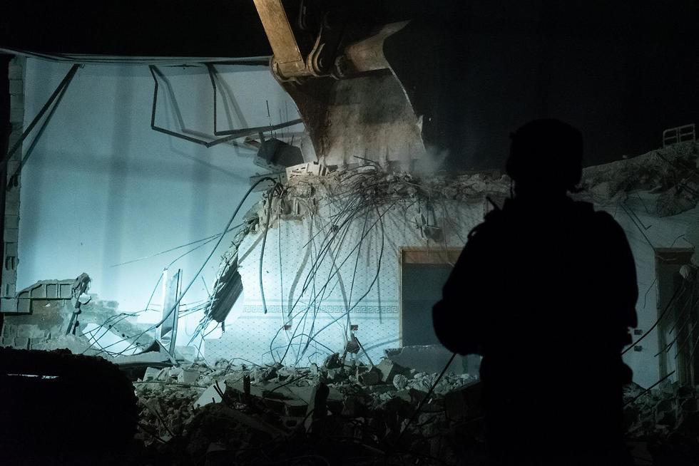 הריסת בית המחבל  אחמד קונבע בג'נין (צילום: דובר צה