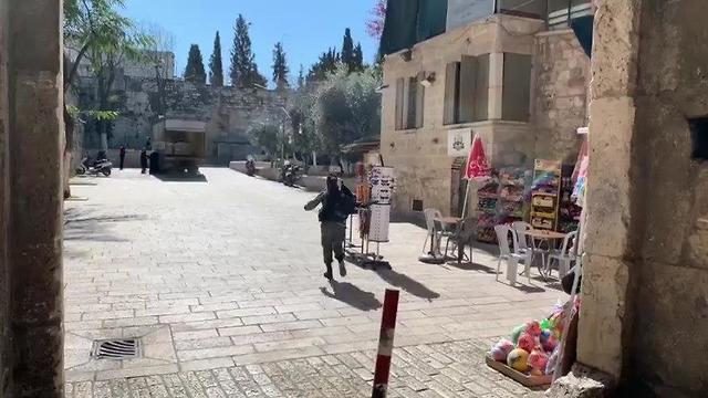 זירת הפיגוע בעיר העתיקה ()