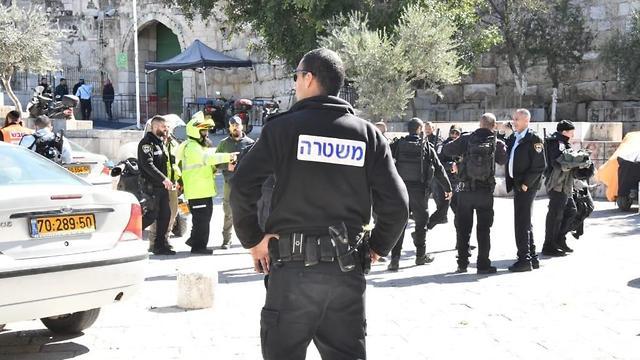 זירת הפיגוע בעיר העתיקה בירושלים ( צילום: דוברות המשטרה )