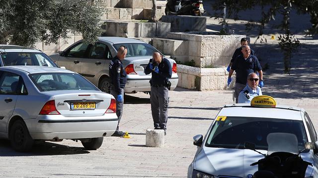 זירת הפיגוע בעיר העתיקה בירושלים ( צילום: עמית שאבי )