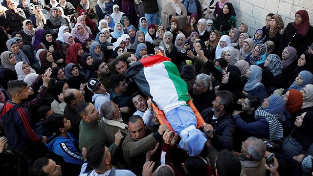 הלוויה של  מוחמד אבו גניה פלסטיני בג'נין (צילום: רויטרס)