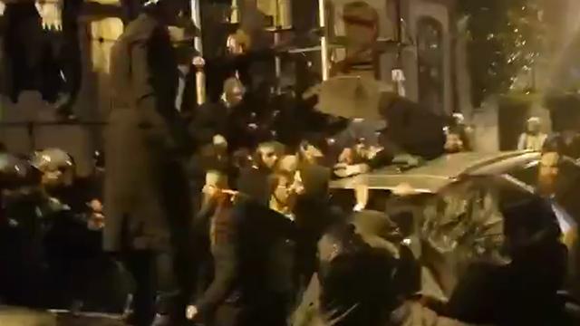 Беспорядки во время ареста раввина Берланда. Фото: организация протеста радикальных ортодоксов
