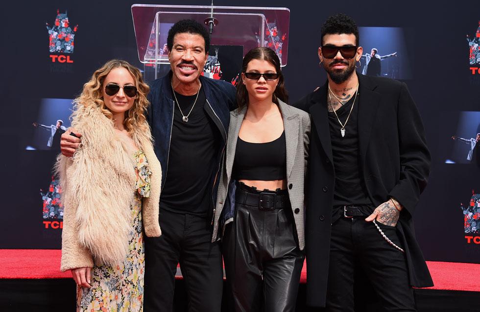 שושלת האופנה לבית ריצ'י: ניקול, ליונל, סופיה ומיילס ברוקמן (צילום: AP)