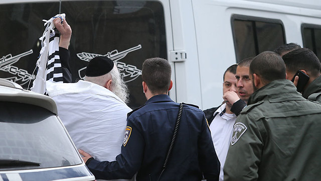 Арест раввина Берланда, 9 февраля. Фото: Алекс Коломойский